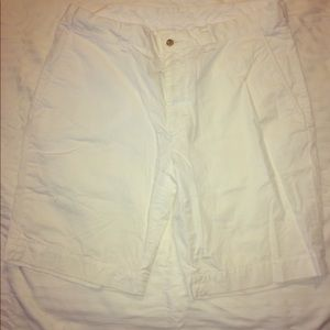 Polo Ralph Lauren White Shorts with wooden button